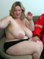 The horny bbw lets the car mechanic take her home and drill her pussy with long thrusts