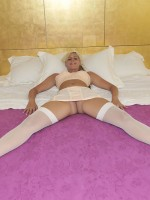 31 yo blonde pamela willing to perform: anal sex, butt plug, cameltoe.