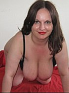 48 yo brunette nicematurebbw willing to perform: anal sex, butt plug, cameltoe.