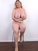 Chuby bbw stretching and posing full naked to show their availability