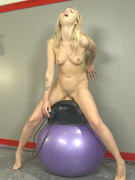 Ponytailed fitness trainer gets all her holes fucked with a sybian