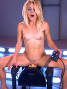 Blonde bitch assbanged badly by a sybian