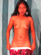 Indian babe sabeen posing naked in bedroom