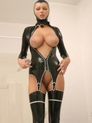 01_shinydollsold2_p