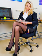 Brunette dakoda brookes gets drilled at the office