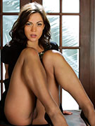 Brunette secretary in pantyhose tears it off and rubs her hairy slit