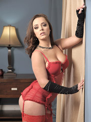 Liza Del Sierra Pictures and Movies