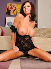 Veronica Avluv Pictures and Movies
