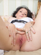 Nubileamanda blake vibrates her clit until she creams all over